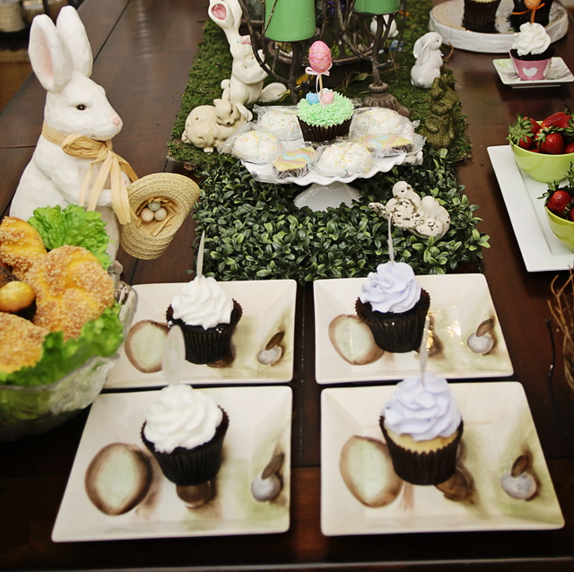 Easter Table Setting U0026 Easter Decor. All Natural Looking Egg Plates