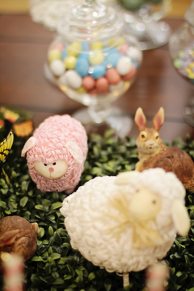 Rustic Easter Party Table-Setting: MommyDecorates.com