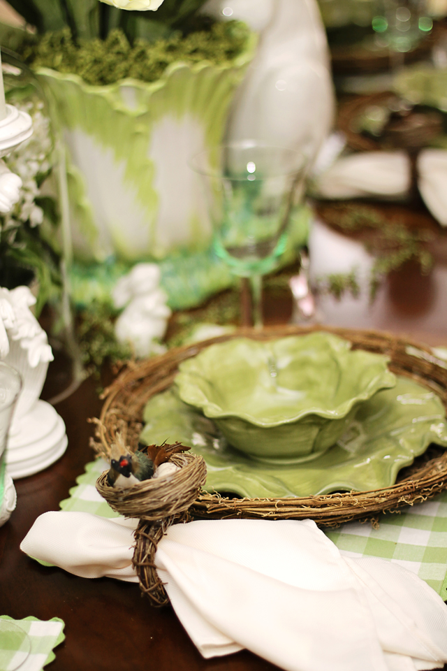 Easter Decor - MommyDecorates.com