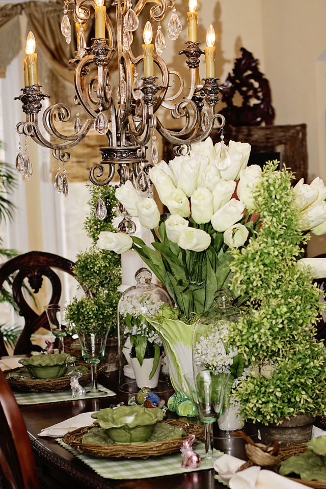 Easter Dining Room Table Decor - MommyDecorates.com
