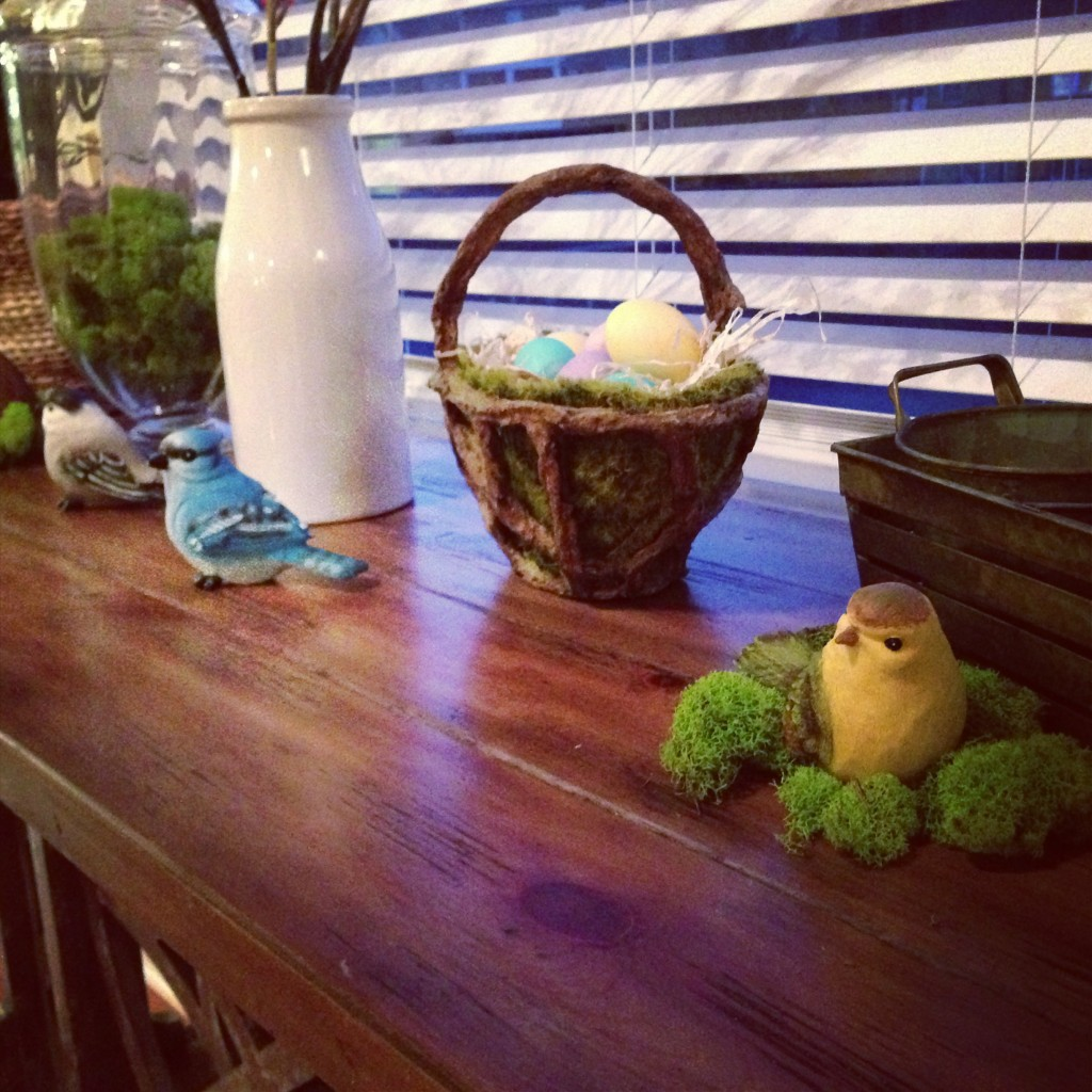 Table Decor For Easter / Spring