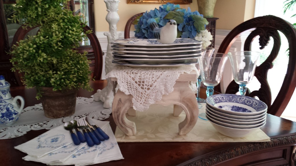 Mother's Day Brunch Buffet Style:Table Setting Ideas